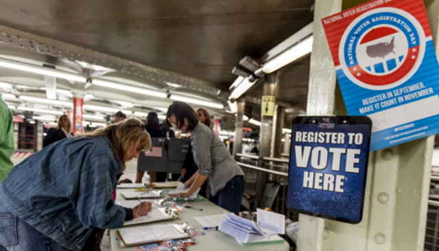 latino voter registration reached - 560×351